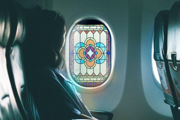"""Vidrieras """"ventanas de oración"""" para aviones"""