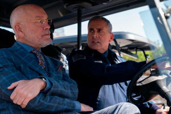 """Revise """"Space Force"""": Steve Carell aparece en una parálisis de Netflix que nunca llega al comienzo"""