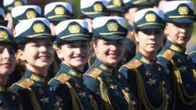 Desfile formaciones antes de marchar por la Plaza Roja en Moscú.