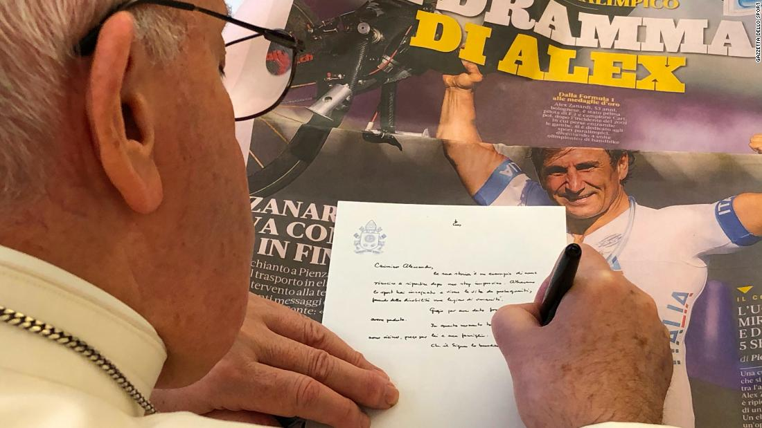 El Papa Francisco escribe una carta de apoyo para Alex Zanardi después del desastre.