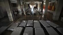 El salón de banquetes, que generalmente se usa para bodas, se ha transformado en un hospital improvisado de coronavirus, ya que la capital de la India está tratando de detener el aumento de casos.