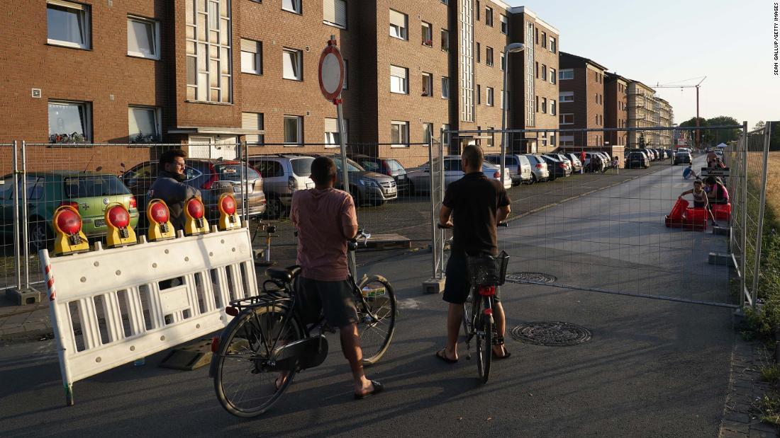 Alemania impone un nuevo bloqueo tras el brote de coronavirus en una fábrica de carne
