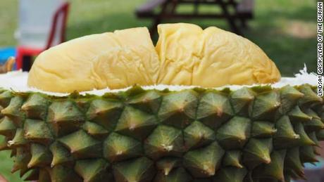 El hedor a fruta de Durian lleva a la evacuación a la universidad.