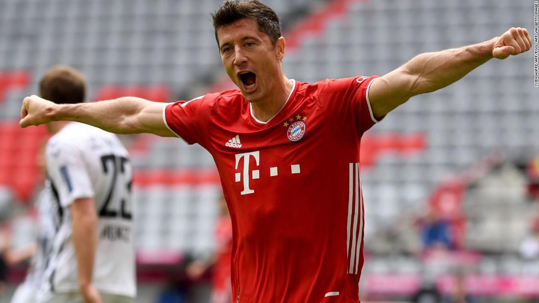 Robert Lewandowski rompe el récord de puntuación de la Bundesliga